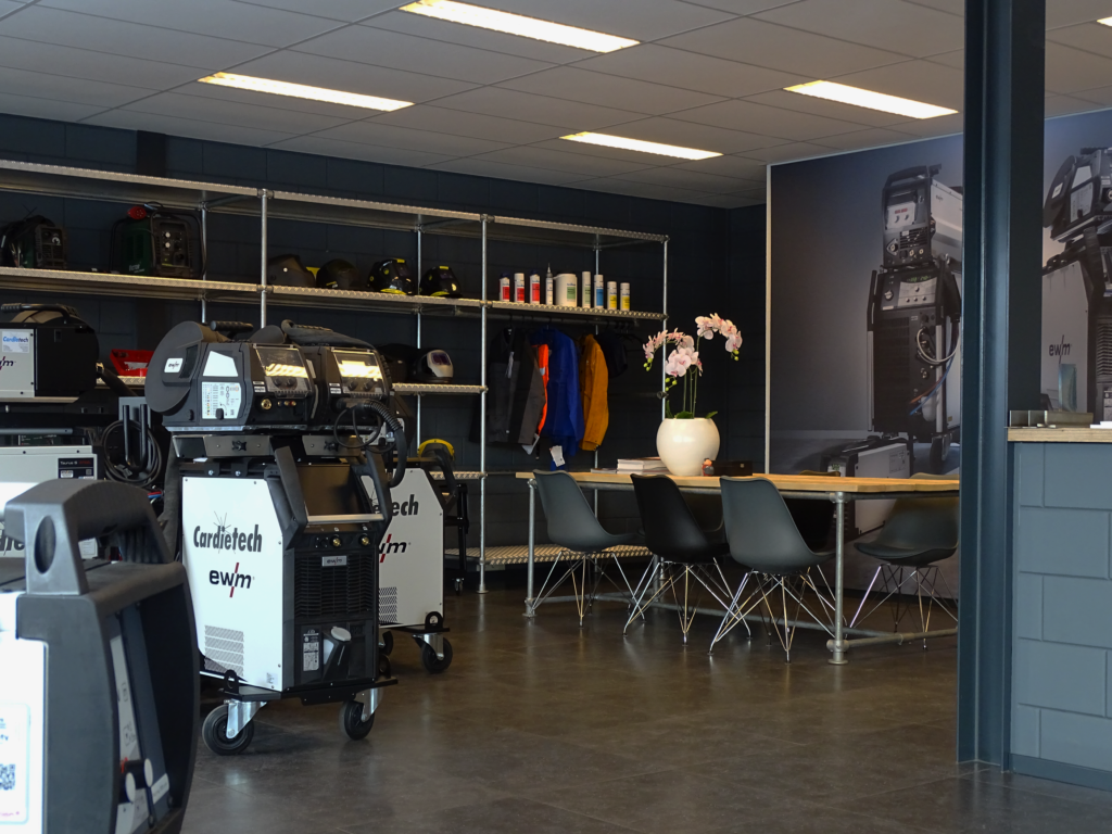 Showroom Cardietech Lastechniek - EWM & ESAB dealer, service center Oost Nederland